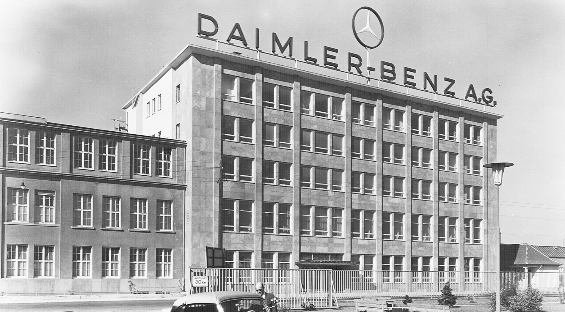 Project: Daimler Benz AG in Stuttgart
