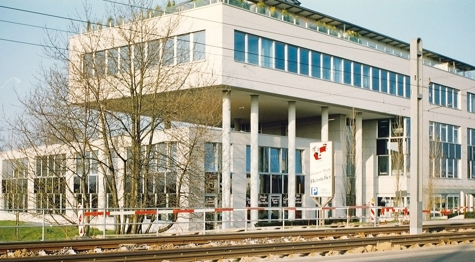 Project: Residential and commercial building in Stuttgart - Heumaden